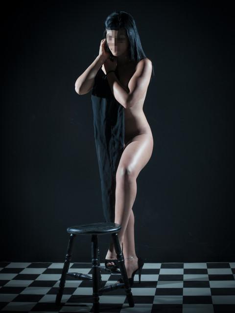 צילומי עירום סקסי ואמנותי לאישה