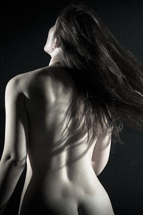 גב אישה - צילום עירום