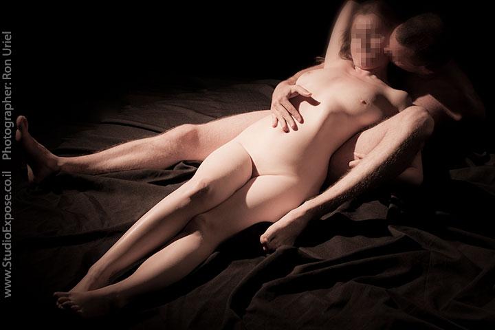 זוג בצילום עירום אמנותי