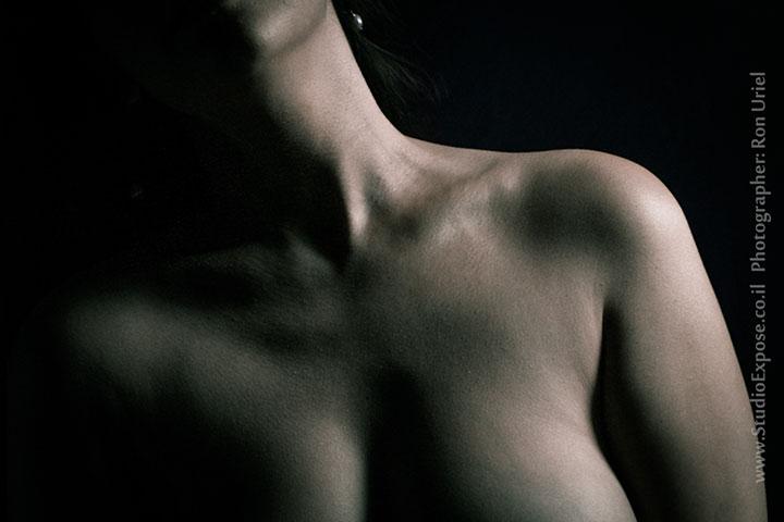 עור וצל - צילום עירום