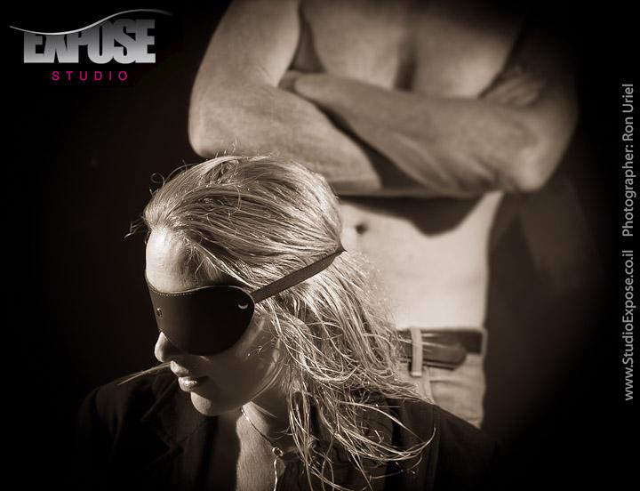 ארוטיקה, שליטה, פנטזיה - צילום זוגי בסטודיו אקספוז