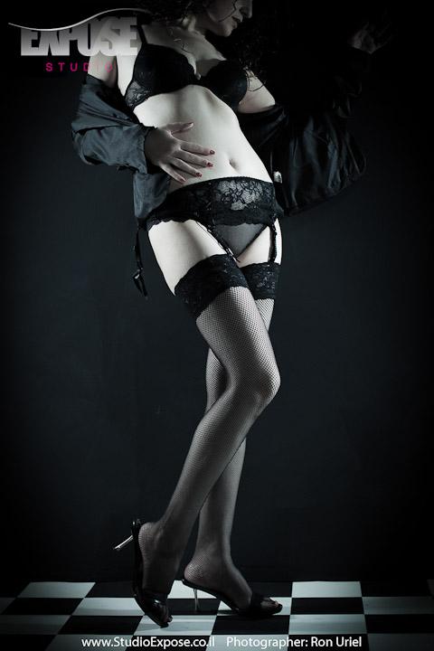לנז'רי - צילום סקסי בעירום מרומז