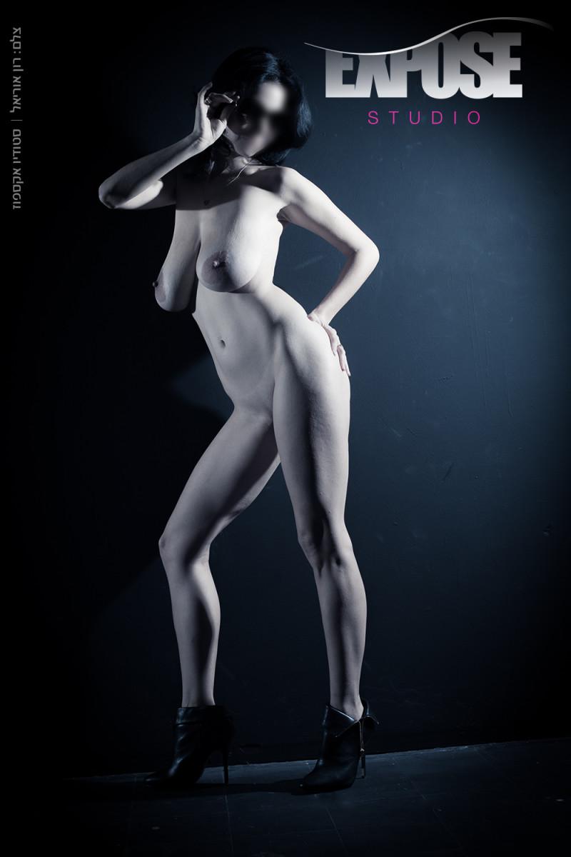צילום עירום אמנותי וארוטי. צלם: רון אוריאל, סטודיו אקספוז 054-6622678