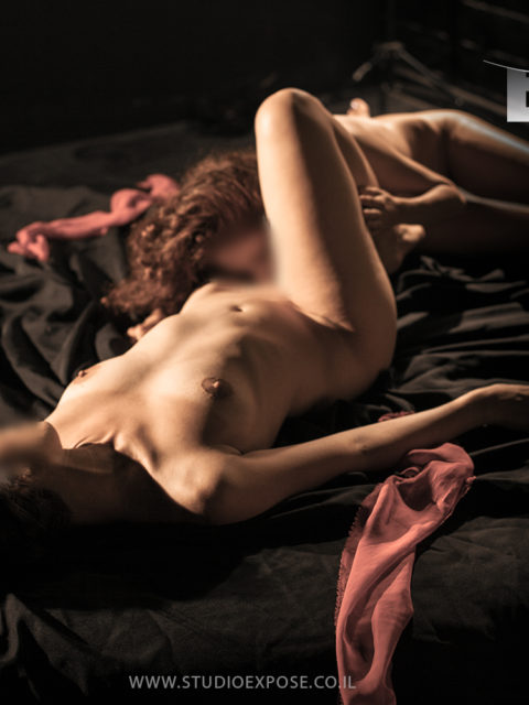 ארוטיקה של אהבת נשים. סטודיו אקספוז, צלם: רון אוריאל