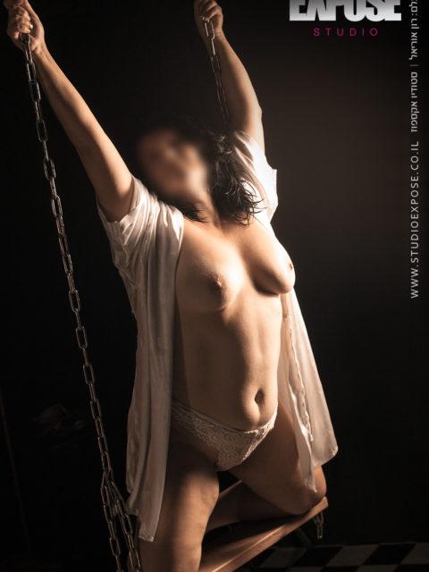 בנדנדת החיים - צילום עירום נשי. סטודיו אקספוז, צלם: רון אוריאל